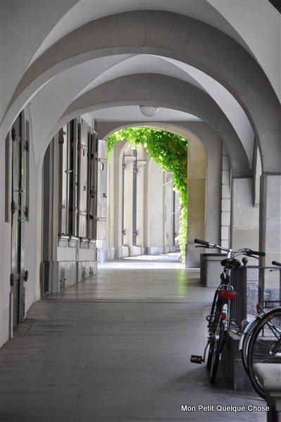 Sortie familiale à Berne, les arcades de la vieille ville